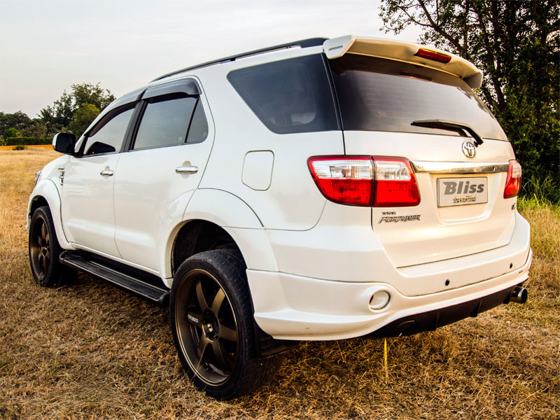 Toyota Fortuner Taxi Rear View